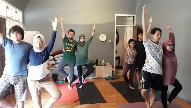 prenatal yoga di bogor 2 - ranselriri