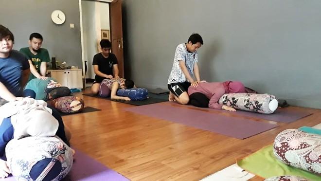 prenatal yoga di bogor - ranselriri